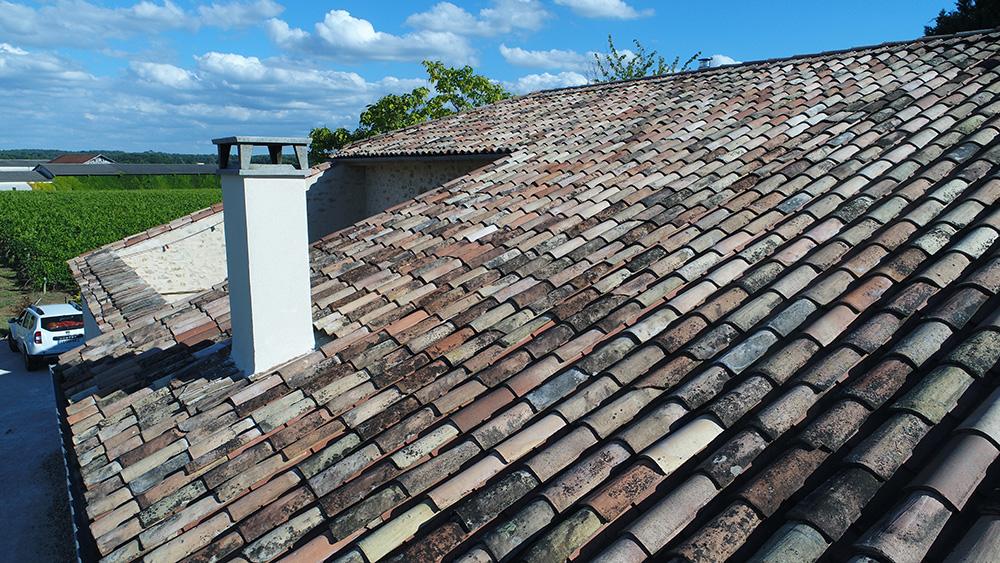 démoussage de toiture par drone